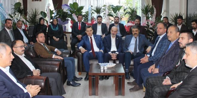 AK Kadrolardan Kestel Belediye Başkanı Tanır'a Hayırlı Olsun Ziyareti