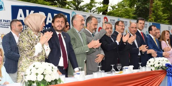 AK Parti, Merinos'ta bayramlaştı