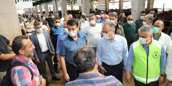 Başkan Aktaş'dan modern Kurban Pazarı'na ziyaret
