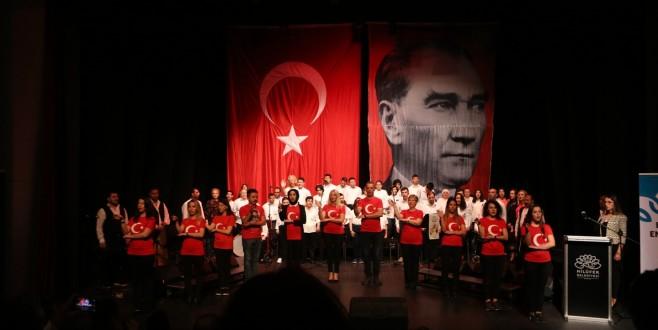 Bizim Ev katılımcılarından muhteşem konser