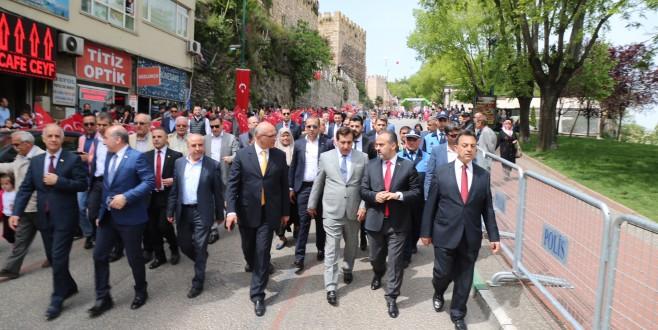 Bursa'da dünya çocukları buluştu
