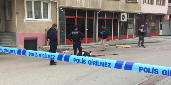 Bursa'da herkesin gözü önünde bıçaklanarak öldürüldü