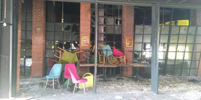 Bursa'da kafede patlama oldu, ortalık savaş alanına döndü