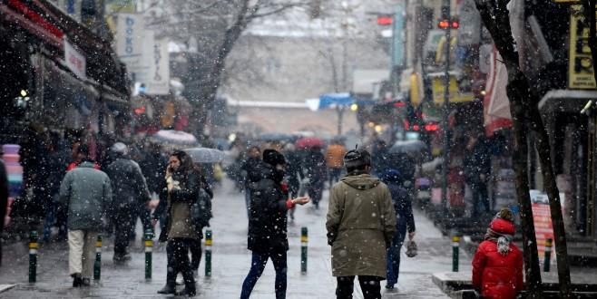 Bursa'da kar yağışı