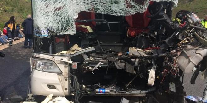 Bursa'da kaza! Otobüs şoförü ve muavin öldü, çok sayıda yolcu yaralandı