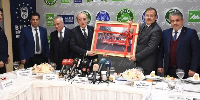 Bursa Kent Konseyi, Başbakan Yardımcısı Hakan Çavuşoğlu'nu konuk etti