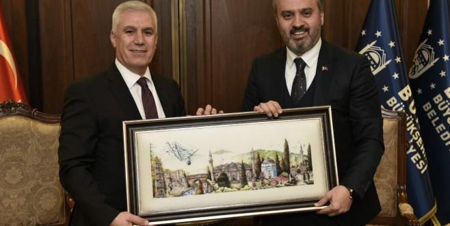 Bursa siyasetinde örnek hareket