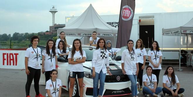 Bursalı Kadın Ralliciler Gençlerle Buluştu