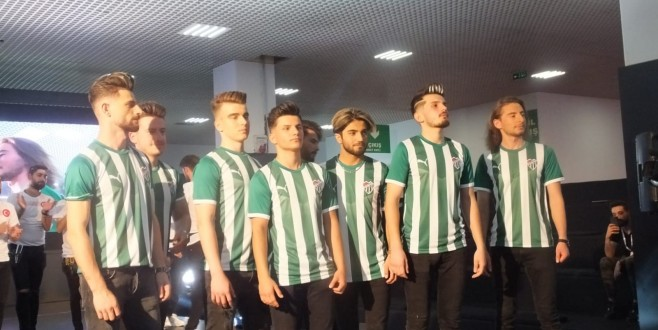 Bursalı kuaförlerin Bursaspor aşkı