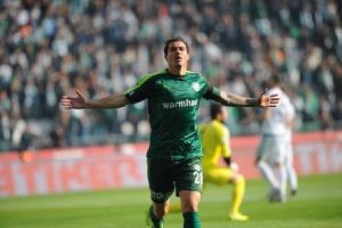 Bursaspor, Atiker Konyaspor'u rahat geçti