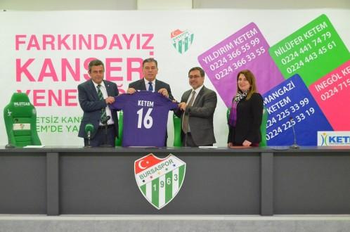 Bursaspor'dan kanserle mücadeleye destek