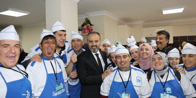 Büyükşehir'den 'down sendromlu' meleklere destek