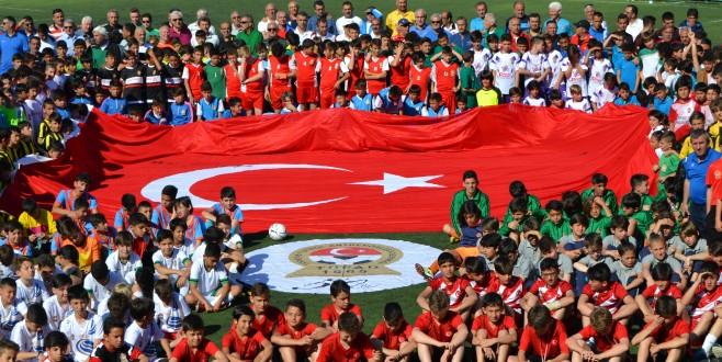 Geleceğin Yıldızları Futbol Şenliği Sona Erdi
