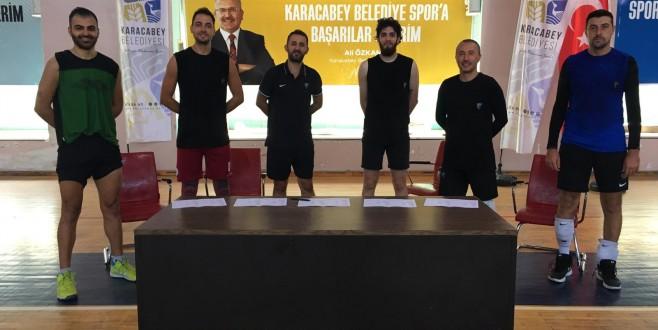 Karacabey Belediyespor voleybolda da iddialı