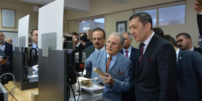 Milli Eğitim Bakanı Ziya Selçuk Bursa'da