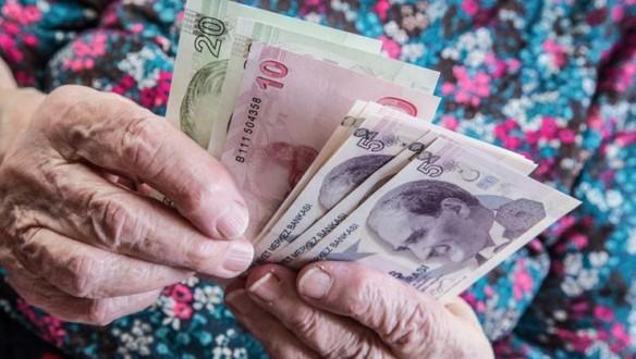 Muhtaç yaşlıya her ay 500 TL maaş