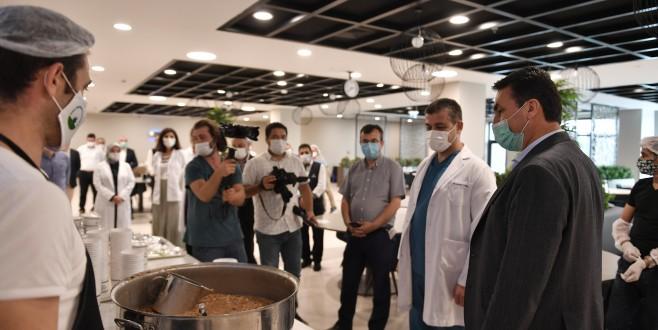 Sağlık Çalışanlarına Aşureler Osmangazi'den